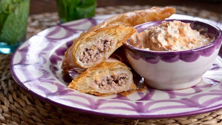 Pastel de carne con especias (Briouat) - Najat Kaanache - Receta - Canal Cocina