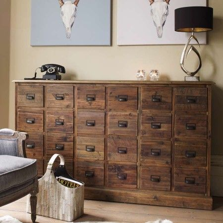 I would love such a large chest of drawers, preferably reclaimed of course, the storage possibilities!
