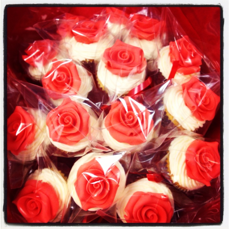 Bouqcake Cupcakes   Bouqcakes  Valentines day bouqcake roses are red
