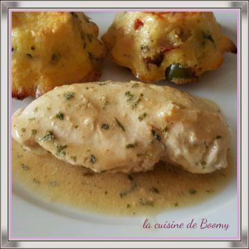 Une recette issue d'un magazine weight watchers de 2014. L'estragon se marie à merveille avec le blanc de poulet , la sauce est délicieuse. J'ai accompagné ce plat de flans de légumes à la provençale . pour 4 pers / 4 PP ou 4 SP pour 110 gr de viande...