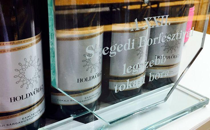 Új blogbejegyzésünkben beszámolunk májusi fesztivál-élményeinkről, éstovábbiHoldvölgy-élményeket, borkóstoló programokat ajánlunk Nektek júniusra! A borvacsorákra még lehet jelentkezni, várunk Titeket!  Holdvölgy Tokaji wine