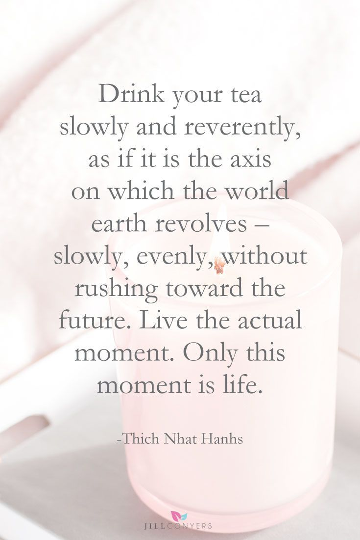 WHY AND HOW TO LIVE IN THE PRESENT | Life is a beautiful gift and every magical moment deserves to be wholeheartedly lived. I have become more conscious about making the most out of each and every day. Yoga has taught me to how to slow down, live in the present, and how to quiet my monkey mind. Click through to read the benefits of practicing mindfulness and being present. Pin it now, read it again later. @jillconyers