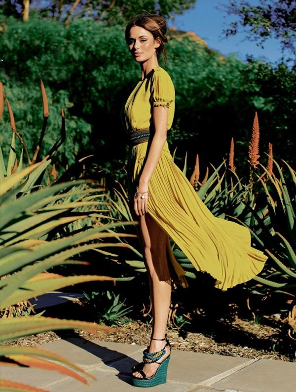 gorgeous: Summer Dresses, Colors Combos, Spring Dresses, Nicole Trunfio, Yellow Dresses, Dresses Shoes, Yellowdress, Summer Breeze, The Dresses