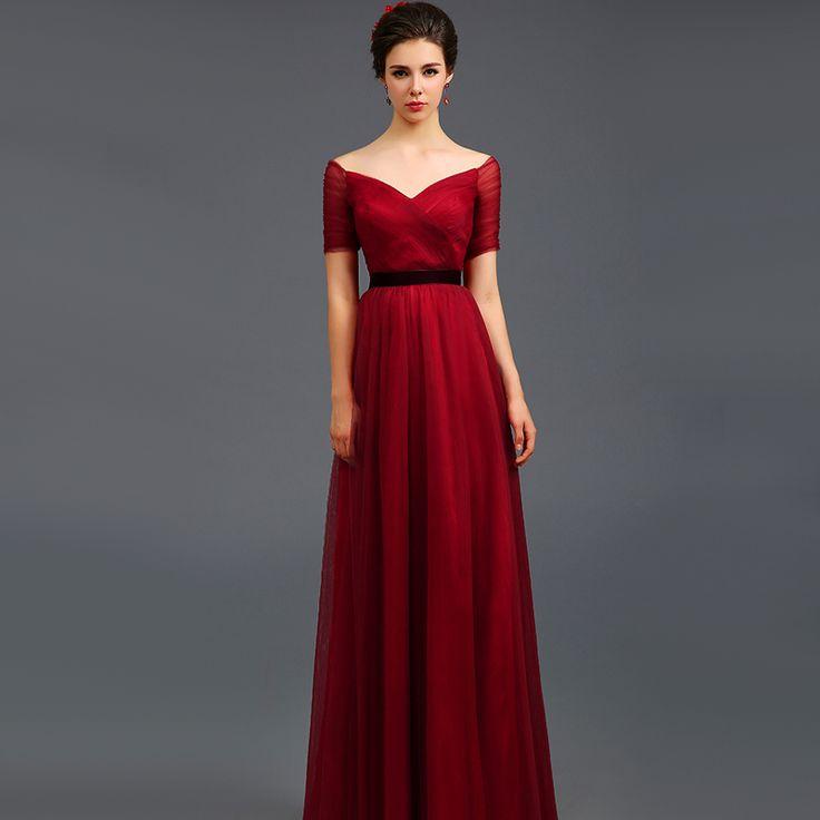 Красное вечернее платье с открытыми плечами и под пояс