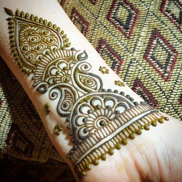 Henna design from the wrist to mid elbow by me