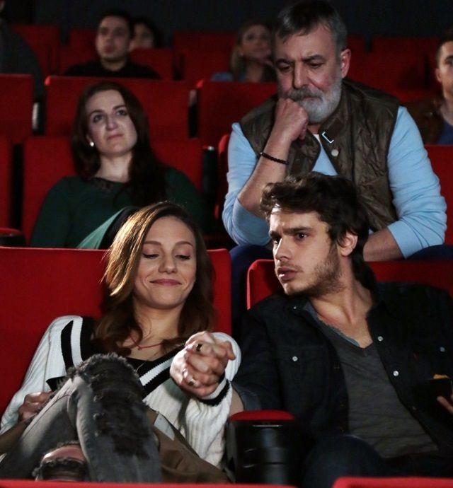 Aşk Yeniden 9.Bölüm Özeti (7 Nisan 2015 Salı / Fox Tv)  http://baydizi.com/yerli-dizi/ask-yeniden/ask-yeniden-9-bolum-ozeti-7-nisan-2015-sali-fox-tv/#ixzz3WMdKcp6C