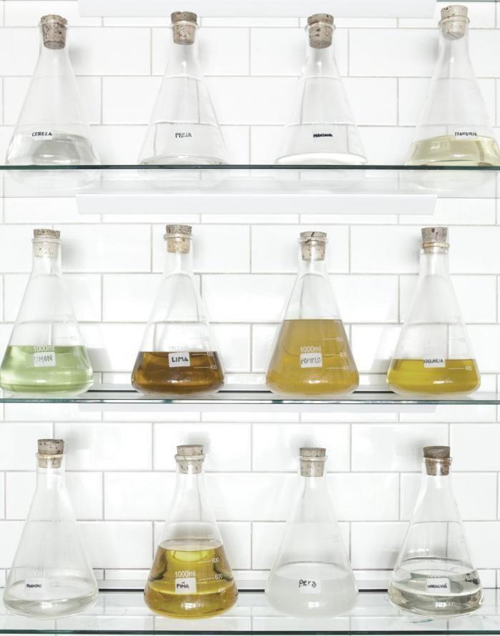 700_papabubble-beakers-of-candy-liquid