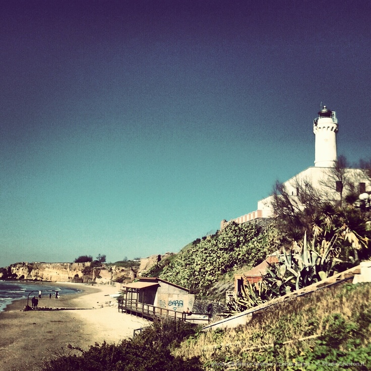 Anzio, Roma ... start preparing for MARE & VELA 2013 GUYS WE are waiting for you (take a walk around the lighthouse... winter time)