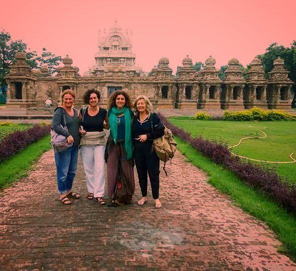 Claire Cook & peers @ கலசநதர கவல the oldest #templein whole Kanchipuram enchanting #tamilnadu #india #architecture #tphotooftheday #travelforexperiences #travelblogger#attp #Travellers#wanderlustof#asia #worldheritagesite #indiatrip #incredibleindiaoffical #globetrotters2 #indiatourism #culturaltourist #explorationstation #igtravelers#oldcitywalks #indiatravelgram& #travelgramindia4 #indiaholidays #travelphotography #igchennai #travelphotographer #travelfreak#indiatravel #backpacking…