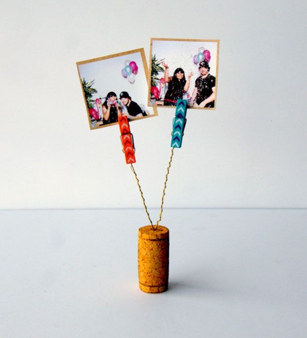 Easy Wine Cork Crafts Picture Holder - DIY Wine Cork Clothespin Picture Holder…