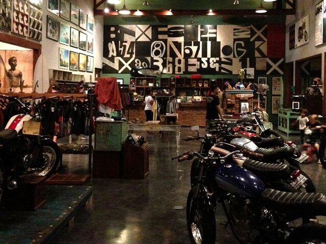 Deus Ex Machina Shop Garage Pinterest Custom Garages