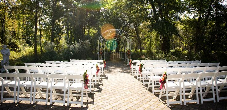 """The """"Free Guide to Running Your Own Wedding Ceremony Rehearsal"""" by Ceremony Officiants™. Step-by-step instructions for a wedding rehearsal, with diagram."""