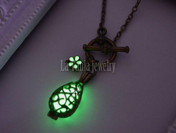 Glowing Teardrop Necklace – Glow In The Dark Necklace,Luminous Necklace, Teardrop Locket Pendant, Glowing Floral Necklace,Glow Cage #Glowing #glowinthedark #necklace