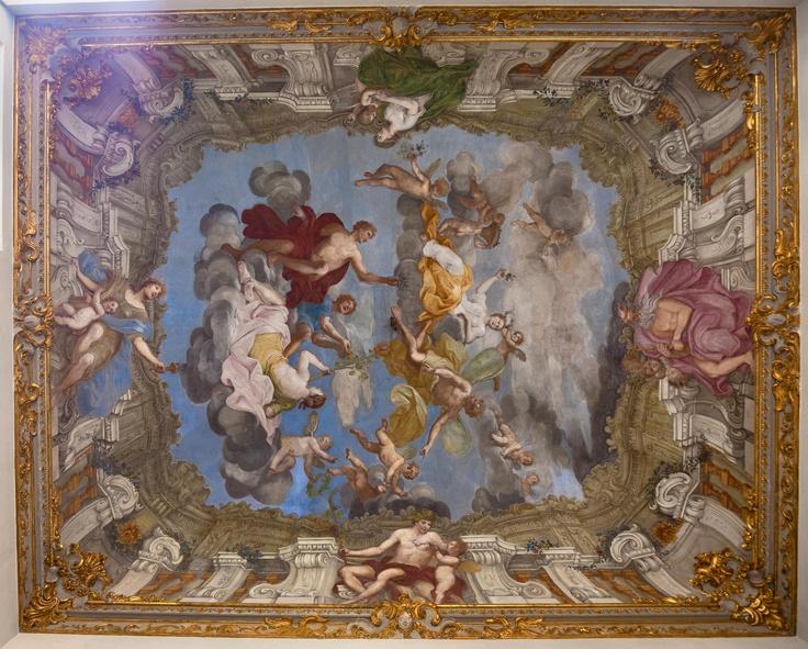 """Un primo piano dell'affresco di Domenico Parodi, """" Il Regno di Flora"""""""