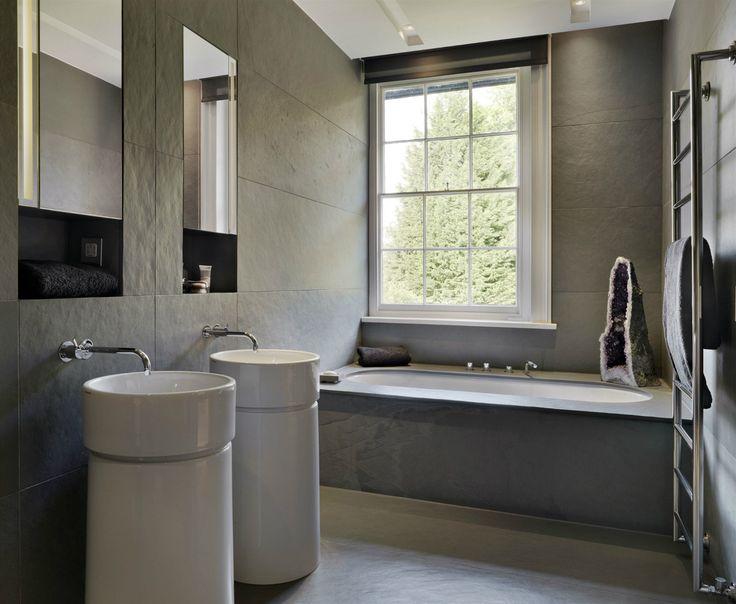 Sanitární keramiku ladných minimalistických tvarů dodala italská firma Flaminia.