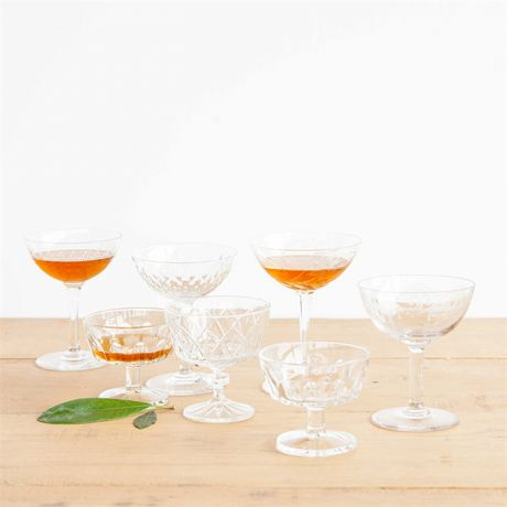 Coupe à champagne Vintage cristal. Les flûtes à champagne, c'est démodé ! Optez pour nos coupes en cristal en guise de verre de mariage.