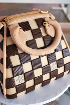 Purse Cake how neat!