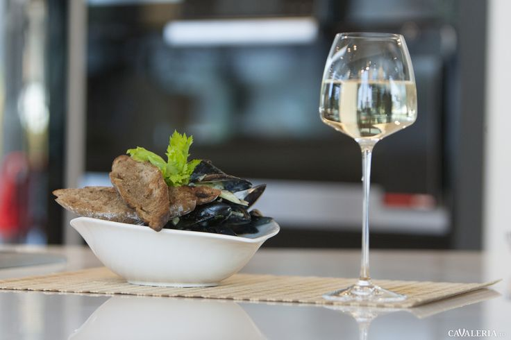 Marinara mussels & white wine