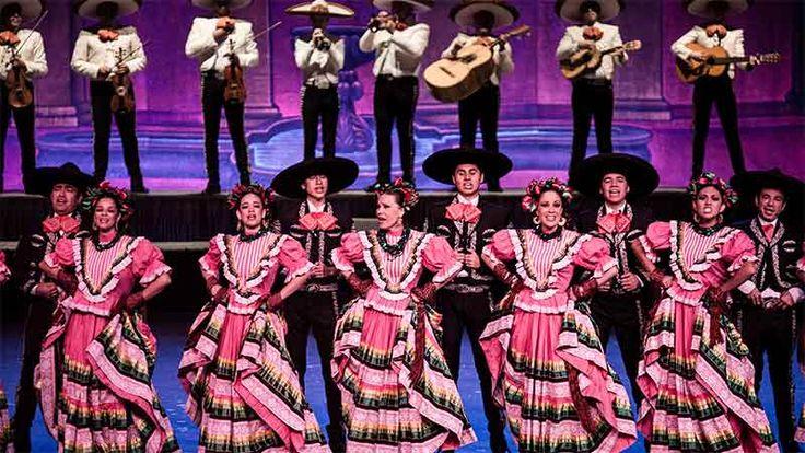 El Ballet Folclórico de la Universidad de Guadalajara cumple medio siglo divulgando por todo el mundo las tradiciones culturales mexicanas expresadas en ...