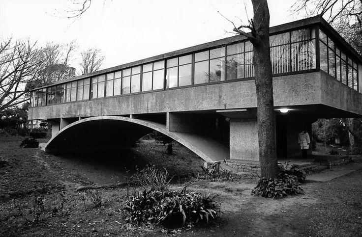 Racionalismo, modernidad y funcionalidad. Casa del Puente de Amancio Williams en Mar del Plata 1943-45