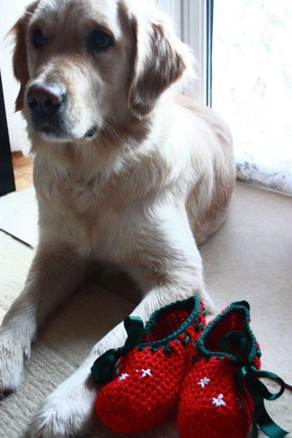 Christmas Slippers for Girls and Women by WhiteBergamot on Etsy, €14.70