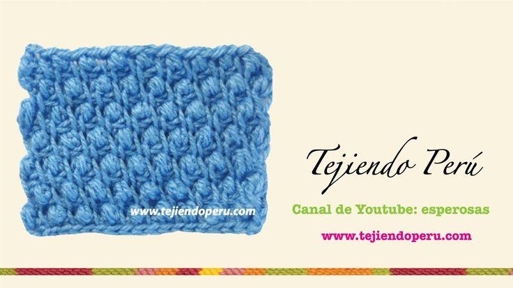 Visita mi página: http://www.tejiendoperu.com/ y encontrarás muchos tutoriales más!! Lindo punto son textura... se parece el punto garbanzo tejido en dos agu...