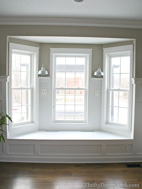 Best 25 bay windows ideas on pinterest for Room with no doors or windows