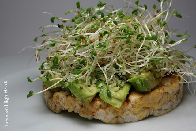 sprouts & avocado on a rice cake: Rice Cakes Lunches, Delicious Snacks, Power Food, Drinks Food, Work Lunches, Marines, Rice Cakes Snacks, Snacks Ideas, Favorite Food
