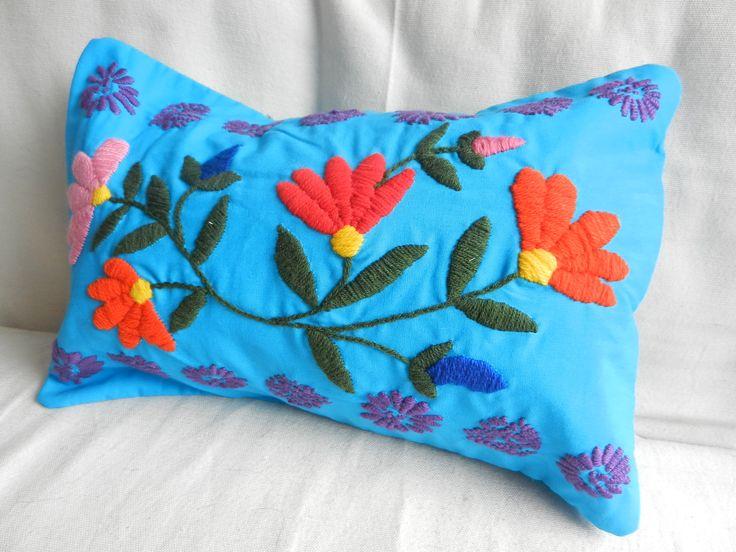 Almohadones bordados a mano !, $220 en http://ofeliafeliz.com.ar