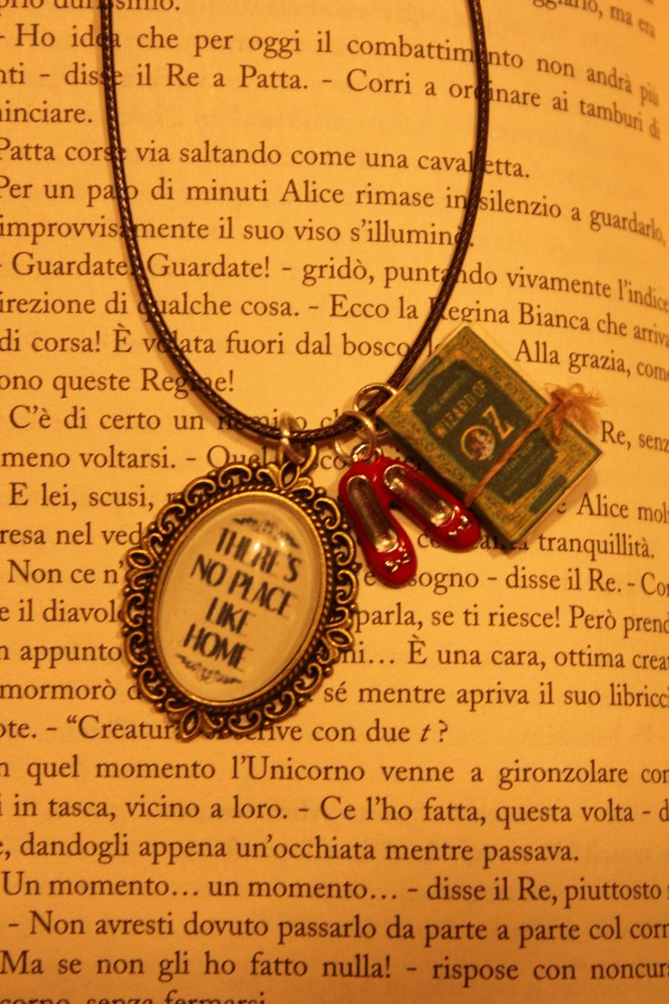 ''the wizard of Oz'' necklace