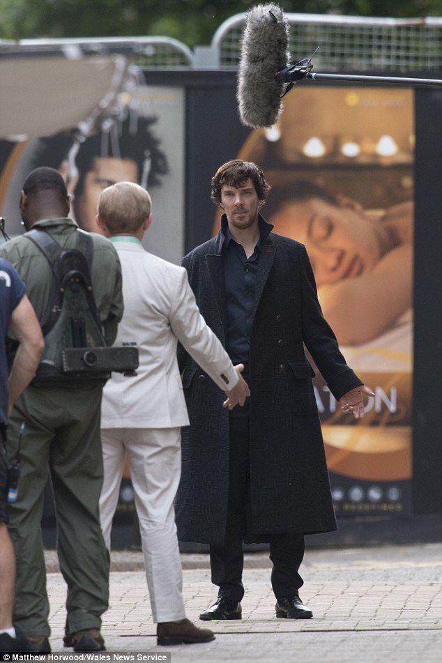 Setlock Series 4.Scruffy Sherlock, nice. It looks like that lady on the poster is liking her proximity to Sherlock.