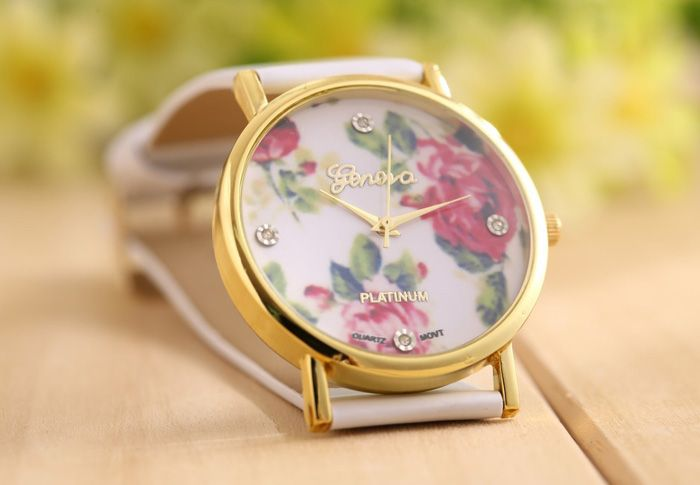 Geneva Luxury Quartz Watch with Diamonds Golden Plate Analog Indicate Leather Watch Band Rose Pattern for WomenWatches | RoseGal.com