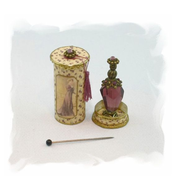 French Ladys perfume in a round historic box OOAK  by Scarletts45, €24.00