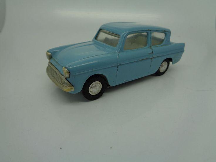 Triang Spot On 213 Ford Anglia Saloon fantastic original vintage diecast & 33 best Vintage Toy cars images on Pinterest | Vintage toys ... markmcfarlin.com