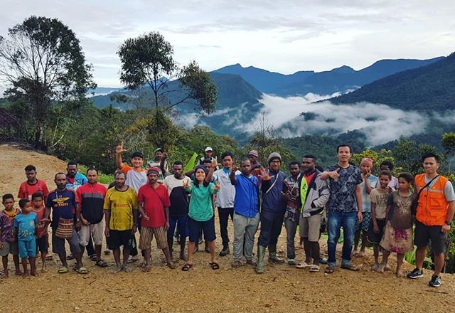Menikmati Keindahan Alam Di Pedalaman Papua Tepatnya Di Kampung Kwaedamban Distrik Borme Pegunungan Bintang Dari Ketinggian Natural Landmarks Landmarks Nature