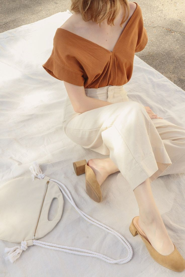 Lucia Ankle Seamed Pant in Natural