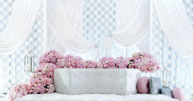 """""""A full shot of the dais beautifully adorned with fresh hydrangeas and roses. Email us: chentaweddings@gmail.com #pelamin #dais #malaywedding…"""""""