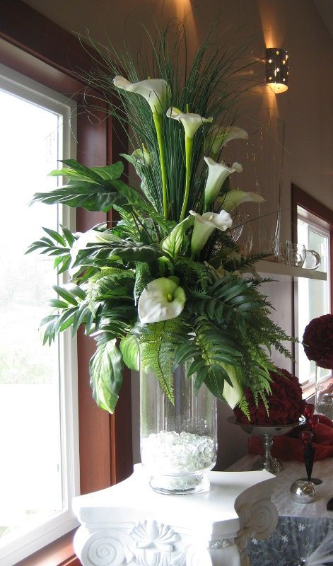Large arrangement, mostly #Flower Arrangement| http://flowerarrangement.lemoncoin.org
