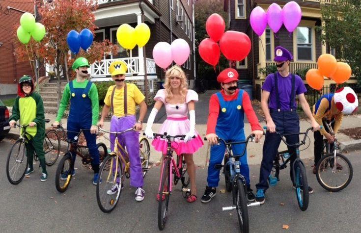 Faschingskostüme für Gruppen selber-machen-super-mario-videospiel-prinzessin-peach-luigi-toad-ballonen