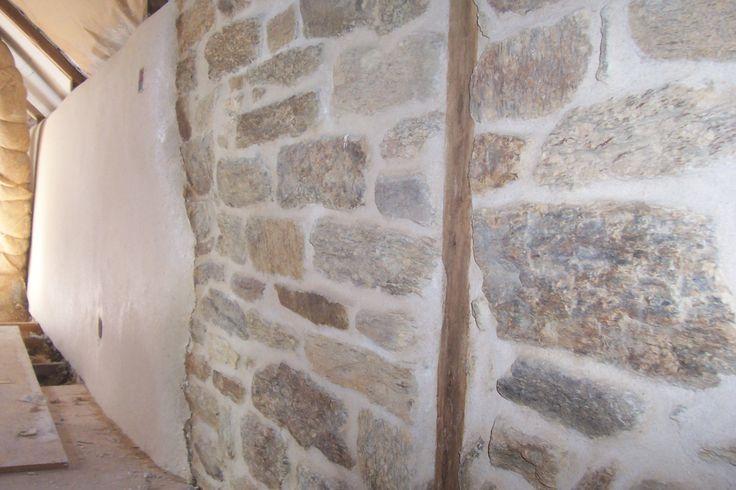 chaux chanvre et mur de pierres plus enduit chaux clôture murs mur ...