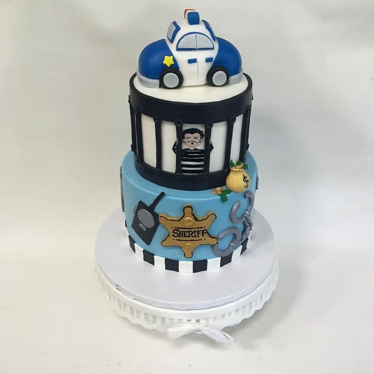 Policeman Cake Design : 1000+ ideas about Police Cakes on Pinterest Harley ...