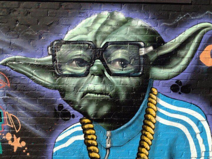 1000 images about urban grafitti street art on walls for Chaise yoda