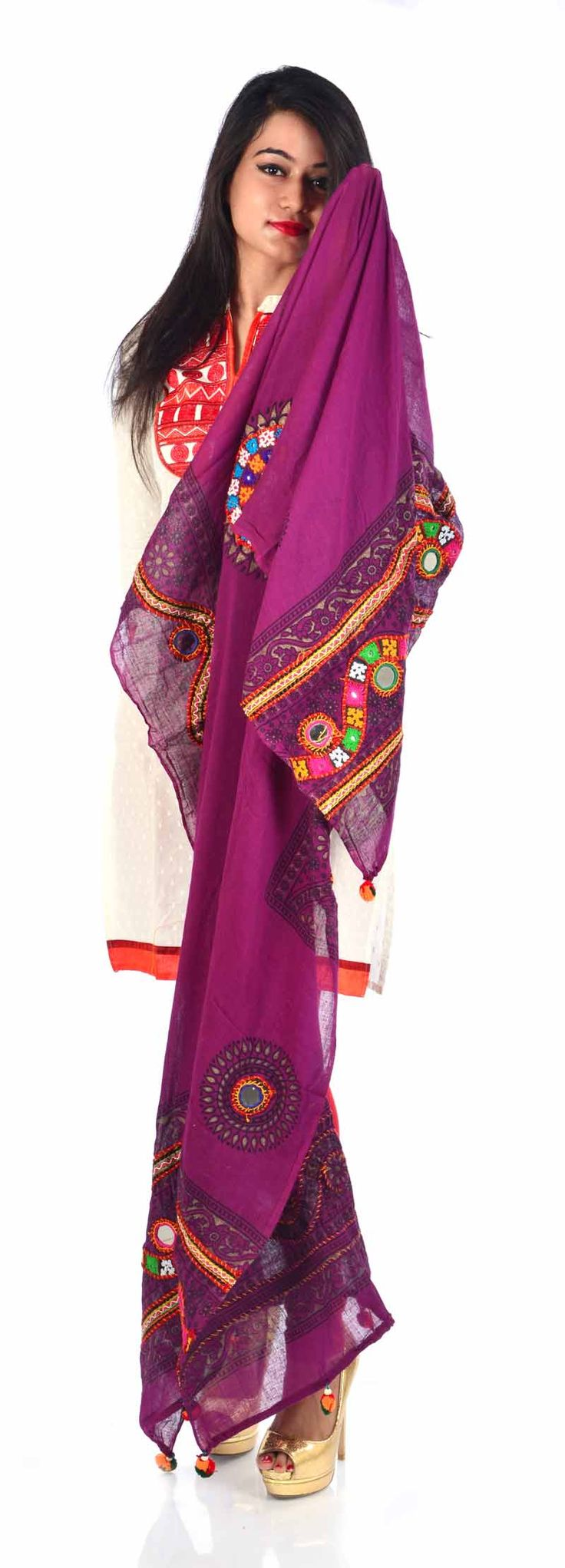 Styleincraft Handwork  cotton Magenta color designer Dupatta. This combination is unique mix and match embroidery work and block printing. you can find our best collection in Dupattas. This is   Traditional work dupattas wear on  multiple dresses as multi color thread embroid #Womenswallets #Pursesonline #Handmadeitems #Styleincraft