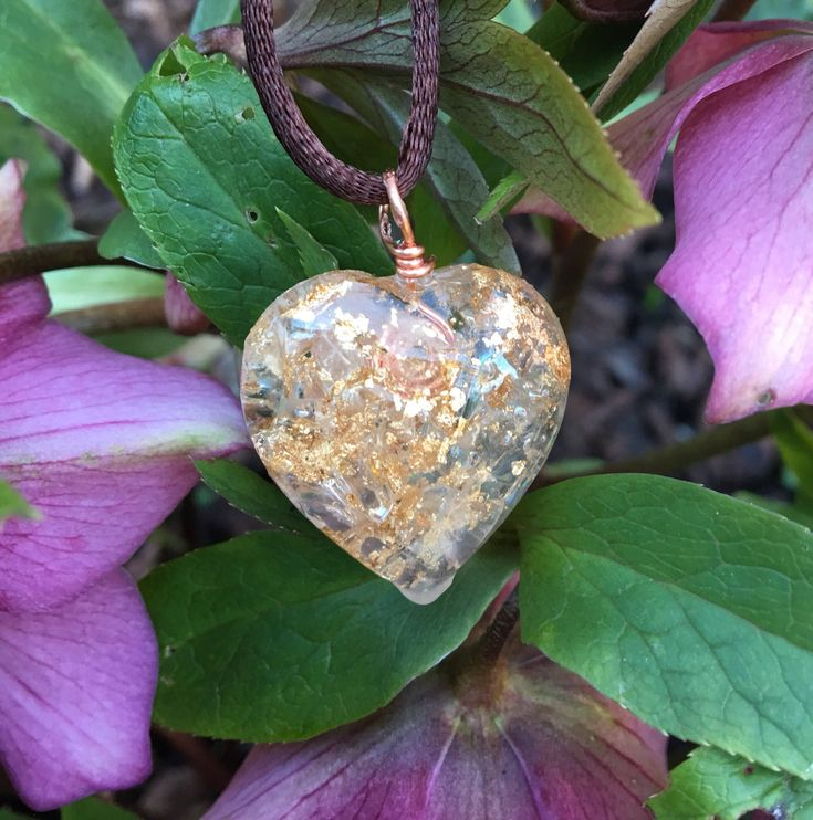 Orgone heart pendant with Clear Quartz and gold leaf for healing, reiki, protection, emf protection and spiritual development by Alouminite on Etsy