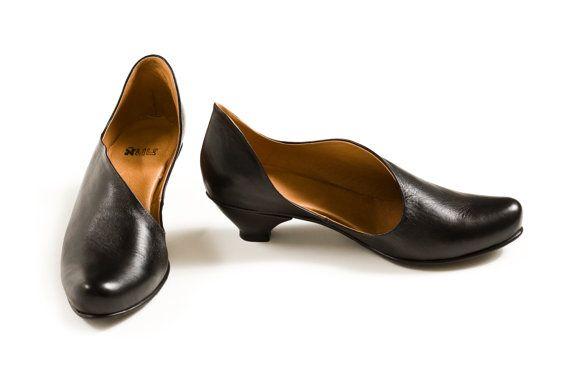 20% Off Black shoes Elegant shoes Asymmetric shoes by UnaUnaShoes
