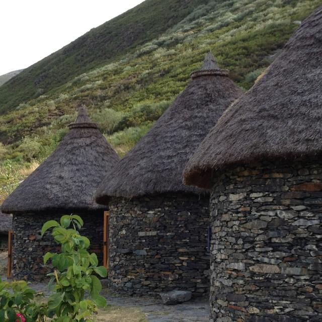 Viviendas celtas en el valle de Fornela. Bierzo,León