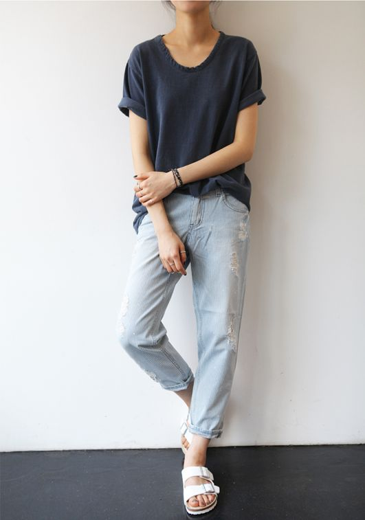 Minimal + Chic | boyfriend jeans, loose tee (cuffed sleeves, dropped shoulders, u-neck), white birkenstocks; navy + light blue + white