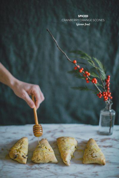 scones + cuillère à miel