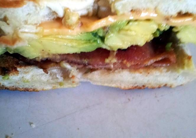 Avocado bacon and chedder cheese bagel Recipe -  Are you ready to cook? Let's try to make Avocado bacon and chedder cheese bagel in your home!