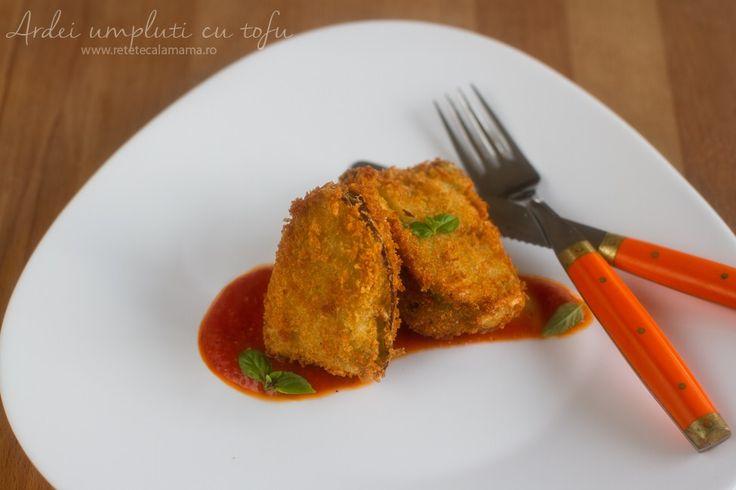 O rețetă gustoasă pentru vegani și pentru cei care țin postul-ardei umpluți cu tofu Rețeta de ardei umpluți cu tofu, în crustă crocantă de panko, alături de un sos de...